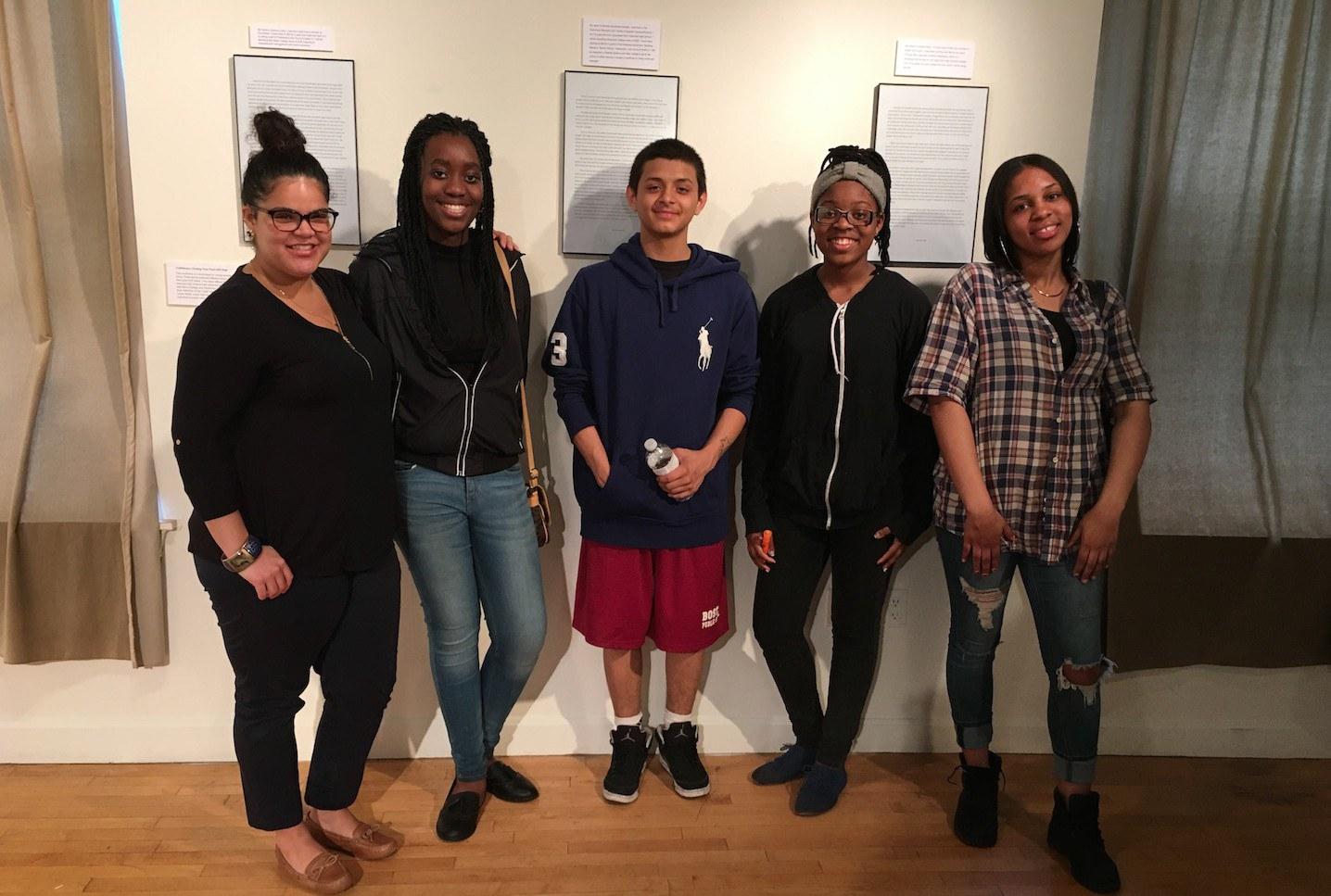 Definiendo el Poder de los Jóvenes con Arte y Educación