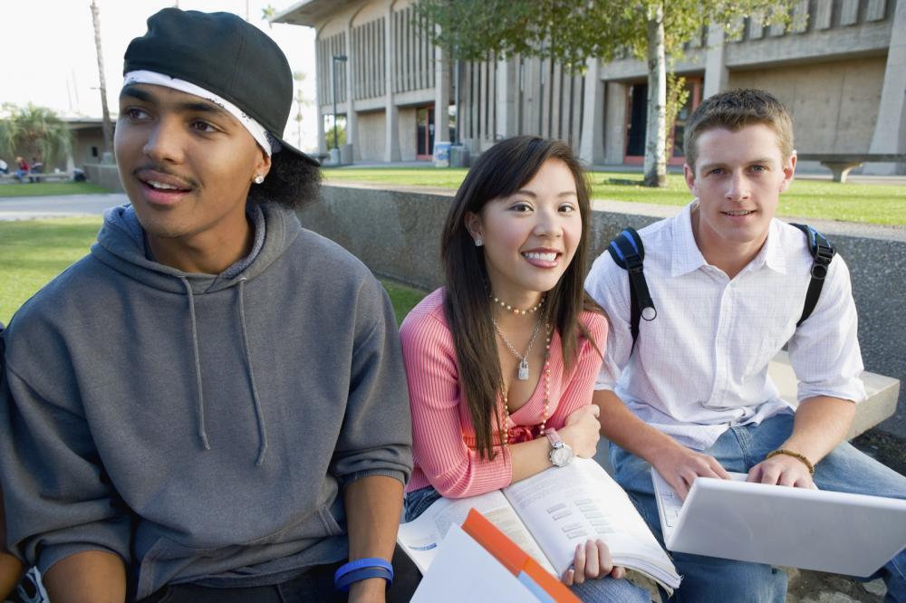 ¿Qué Sigue Después de la Escuela Secundaria?